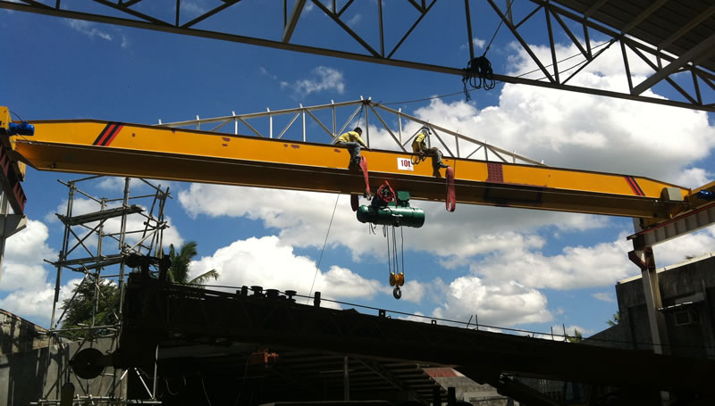 Overhead Cranes: Daily safety inspection of an overhead traveling